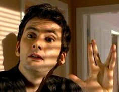 Doctor Who and Star Trek. THIS is why Doctor Who is awesome ! David Tennant, Fandoms, Sherlock, Supernatural, Doctor Humor, 10th Doctor, Don't Blink, Torchwood, Dr Who