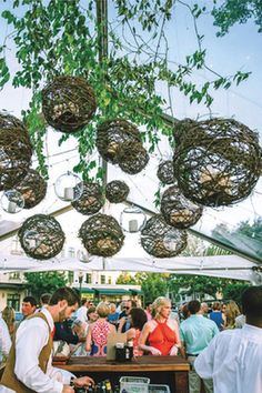 There's something about the outdoor weddings at the River Inn of Harbor Town, a fabulous Memphis wedding venue.  Especially the tent frame holding these unique nesting orbs.  For all things wedding at the River Inn of Harbor Town, click the image above. Photo credit: Wedding-Spot.com
