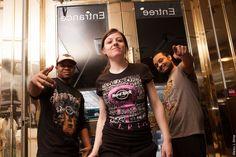 Amadou, Morgane et Angel. Hard Rock Cafe Paris Rock Shop
