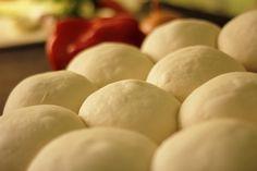Bollo para pizza Chefs, Dinner Rolls, Honeydew, Potatoes, Eggs, Fruit, Vegetables, Breakfast, Food