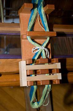 Cross holder - weaving