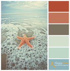 Kleurinspiratie van de woonwinkel Happy Home. Prachtige heldere blauw tinten in combinatie met vergrijsde bruintinten doen het altijd goed. Maar deze aanvullen met de kleuren van de zeester is verrassend mooi.