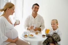 These are the perfect Healthy Pregnancy Snacks. Yummy snacks for Pregnant Women . These are the perfect Healthy Pregnancy Snacks. Yummy snacks for Pregnant Women . Pregnancy First, Pregnancy Trimesters Healthy Pregnancy Snacks, Pregnancy Eating, Pregnancy Memes, Good Healthy Snacks, Pregnancy Workout, Yummy Snacks, Healthy Smoothies, Healthy Drinks, Women Pregnancy