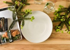 NATURAL WHITE DINNERWARE PLATES