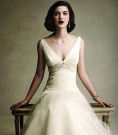 Wedding Dress Designer: Anne Barge