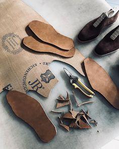#workinprogress #rendenbach #rendenbachsoles #leatherwork #bespoke #shoemaking #zacharias #praha #prague