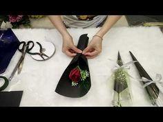 Bouquet Wrap, Gift Bouquet, Paper Flowers Craft, Flower Crafts, Diy Wedding Flowers, Diy Flowers, Single Flower Bouquet, Handmade Gifts For Boyfriend, Flower Box Gift