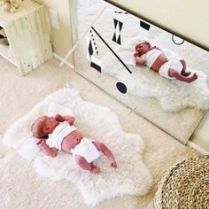 I like this idea for when baby is on back facing the mirror. Change baby's position so that both right and left eyes get stimulated.