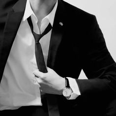 Mafia, Outfits Hombre, Look Man, Bad Boy Aesthetic, Suit And Tie, Hot Boys, Look Cool, Jaehyun, Mens Suits