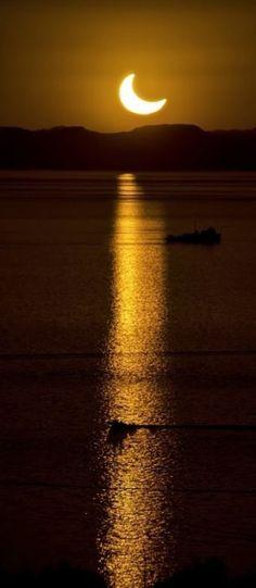 moon shine over the sea!