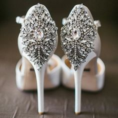 Diamond encrusted heels anyone? Shoes by @badgleymischka captured by @jasminestar and spotted on @brides_style #shoes #badgleymischka #wedding#WOW