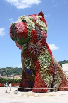 Dogs and puppies sculpted in steel and flowers by Jeff Koons… Jeff Koons, Comic Sans, Neo Pop, Bilbao, Dogs And Puppies, Sculpting, Pop Art, Studio, Pets