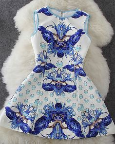 Blue and white print pattern sleeveless dress
