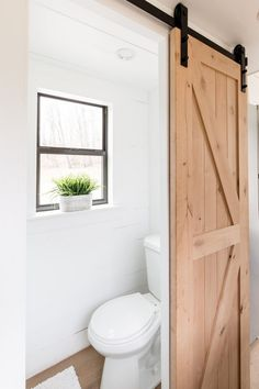 Create a beautiful tiny bathroom with these amazing bathroom shower ideas. Your tiny bathroom shower will look extremely gorgeous with the help of these ideas. Tiny Bathrooms, Tiny House Bathroom, Modern Bathroom, Master Bathroom, Shed Bathroom Ideas, Tiny House Shower, Guys Bathroom, Bathroom Mirrors, Simple Bathroom