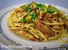 Když chcete mít teplé vyvážené jídlo do 15 minut na stole, skvěle se hodí třeba tyto špagety, které jsou navíc čistě rostlinné. Czech Recipes, Ethnic Recipes, No Cook Meals, Spaghetti, Food Porn, Treats, Cooking, Fitness, Noodle