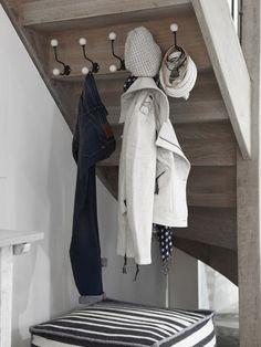 Kapstok onder de trap