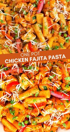 This easy One Pot Chicken Fajita Pasta is packed with your favourite chicken fajita flavours! This delicious chicken pasta recipe is ready in under 30 minutes so goodbye to boring midweek meals.