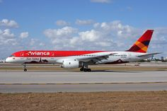 Avianca (Colombia) Jets, Plane Design, Boeing Aircraft, Planes, Commercial Aircraft, World Pictures, Airplane, Aviation, Pista