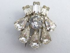 Rare Hard to find Weiss two prong fur clip clear rhinestones AI31