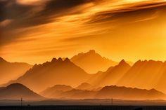 djferreira224:  Sunset by Black Sickle on Flickr.