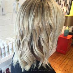 Blond balayage wavy hair