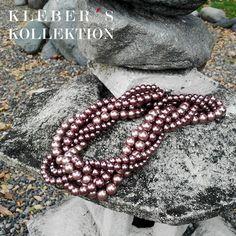 Las trenzas son atemporales al igual que las perlas y que mejor que juntarlas en un maxi collar con un color que es fácil de combinar con todas tus prendas. Te gusta lo que ves?  Fotografía : @klebersoriano  be DIFFERENT choose an #KK #fashion #moda #pearls #braid #necklace #bijoux #bisuteria #jewel #jewelry #publicidad #ads #designer #design #emprendedor #Ecuador #photography #handmade #estilo #style #accesorios #accessories #marketing #art #fashionista