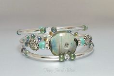 Hey, I found this really awesome Etsy listing at https://www.etsy.com/listing/258024438/lampwork-focal-bead-bracelet-by