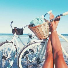Ten: Spring Break Packing List Oh yeah! This is the life! (Not me in the pic, but I do have a bike and I do live near the beach yeah! This is the life! (Not me in the pic, but I do have a bike and I do live near the beach Summer Dream, Summer Sun, Summer Of Love, Summer Beach, Style Summer, Happy Summer, Happy Week, Hawaii Beach, Summer Glow