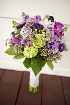 Bouquet from a country chic Tennessee wedding at Historic Cedarwood