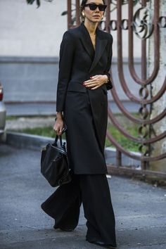 The Best Street Style Moments from Mercedes Benz Fashion Week Tbilisi - crfashionbook European Street Style, Italian Street Style, Berlin Street Style, Rihanna Street Style, Model Street Style, Street Style Trends, Cool Street Fashion, Street Chic, Street Wear