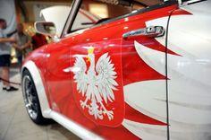 K2 dba o wygląd biało-czerwonej Syrenki EURO 2012   http://www.klub.k2.com.pl/component/content/article/302-aktualnosci/1703-k2-i-biao-czerwona-syrenka