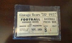 ...RARE STUB CHICAGO BEARS AND THE GREEN BAY PACKERS 1957 WRIGLEY FIELD