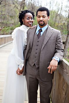 Khaleshia + Bryan's vintage-themed e-session.  Photos by Liz Maryann Photography.