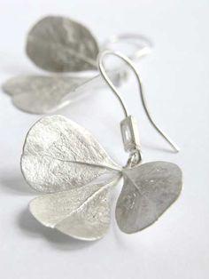 Rhus earrings with baguette diamonds