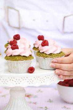 Cupcakes con pistacchio e lamponi [Guest post]