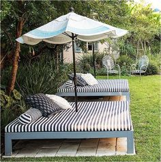 Spectacular idea cheap outdoor furniture 10 diy patio ideas that are Backyard Projects, Outdoor Projects, Backyard Patio, Backyard Landscaping, Backyard Seating, Landscaping Design, Sloped Backyard, Patio Bed, Pool Bed