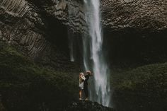 sam landreth photography // lovers in the columbia river gorge