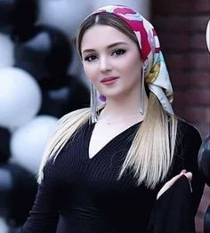 Chat with توتا, From Aga City, Egypt. Start talking now completely free on Waplog. Hair And Beauty Salon, Blonde Beauty, Most Beautiful Faces, Simply Beautiful, Black Hijab, Arab Women, Eye Color, Gender Female, Pretty Woman