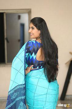 Beautiful Blonde Girl, Beautiful Girl Indian, Most Beautiful Indian Actress, Beautiful Saree, Beautiful Girl Quotes, Beauty Full Girl, Beauty Women, Long Indian Hair, Long Hair