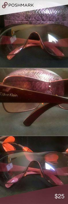 Calvin Klein Eyewear women's Large shield sunglasses 120 Calvin Klein R302S 609 Pink wrap frame eyewear Condition used good condition Calvin Klein Accessories Sunglasses