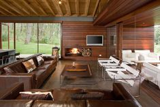 Vacation Home in Mexico. Contemporary cabin in the woods by Elias Rizo Arquitectos. Contemporary Cabin, Contemporary Design, Contemporary Architecture, Country House Design, Weekend House, Box Houses, Ideal Home, Home Fashion, Location