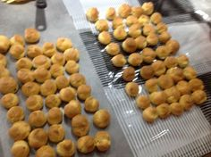 Pâte à choux au Thermomix Pretzel Bites, Cereal, Breakfast, Super Robot, Food, Choux Pastry, Eat, Cooking Food, Morning Coffee