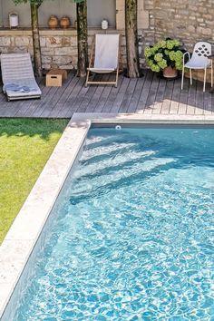 Small Backyard Pools, Small Pools, Swimming Pools Backyard, Pool Steps Inground, Kleiner Pool Design, Swimming Pool Tiles, Small Pool Design, Terrace Design, Pool Houses