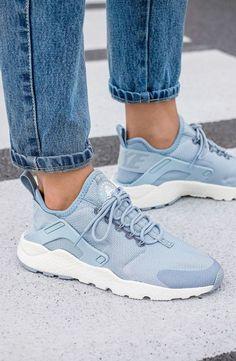 Tendance Sneakers : Nike Wmns Air Huarache Run Ultra Blue Grey (via Kicks-daily.com)
