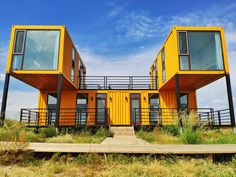 container house Container, it's very popular now! Originally the unit that carried the cargo, but in the designer s mind and hands becoming interesting. Storage Container Homes, Building A Container Home, Container Design, Container Cabin, Cargo Container, Container Store, Shipping Container Buildings, Shipping Container Home Designs, Shipping Containers