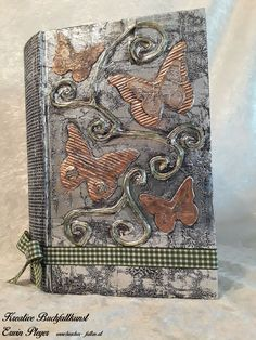 Schmetteringscover im Aludesign mit Ranken Bohemian Rug, Rugs, Design, Home Decor, Handarbeit, Creative, Homemade Home Decor, Types Of Rugs, Rug