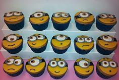 Minion cupcakes www.dezoetetaart.com