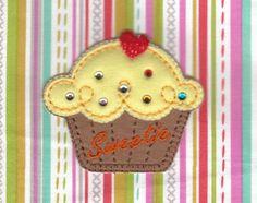アップリケ ワッペン  ap87 | ハンドメイドマーケット minne ラインストーン付きカップケーキ