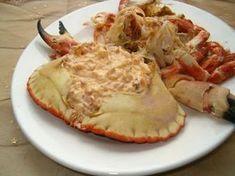 A delicious Portuguese crab sauce recipe (receita de molho de caranguejo) done in no time at all, serve in the shell and enjoy. Crab Sauce Recipe, Sauce Recipes, Food Porn, Tiramisu Recipe, Good Food, Yummy Food, Crab Recipes, Recipies, Portuguese Recipes