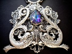 Yet another gorgeous piece! I swear that one day I'll have enough money to splurge on something like this!